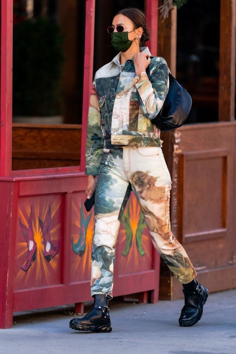 Irina Shayk Clicked Outside in New York 23 Apr-2021