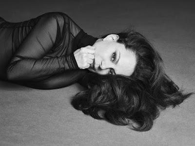 Bebel Gilberto lança disco 'Agora'