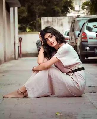 Shalvi Chauhan tik tok age
