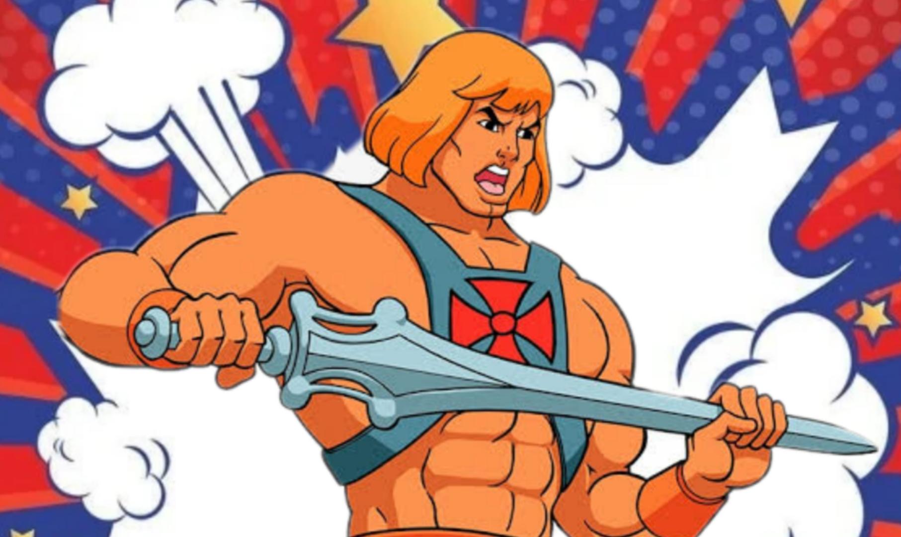 A imagem tem como fundo uma explosão animada e colorida, e ao centro vemos a personagem He-man segurando sua espada. Ele tem um semblante de fúria.