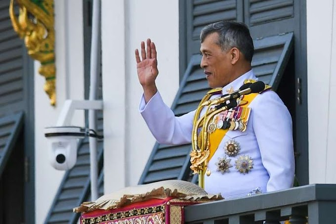 Thai king fires royal guards for 'adultery'