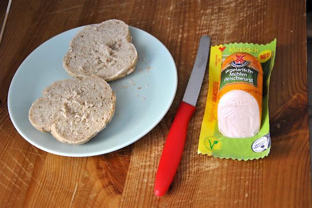 Sauerteigbrötchen und Vegetarische Mühlen Fleischwurst