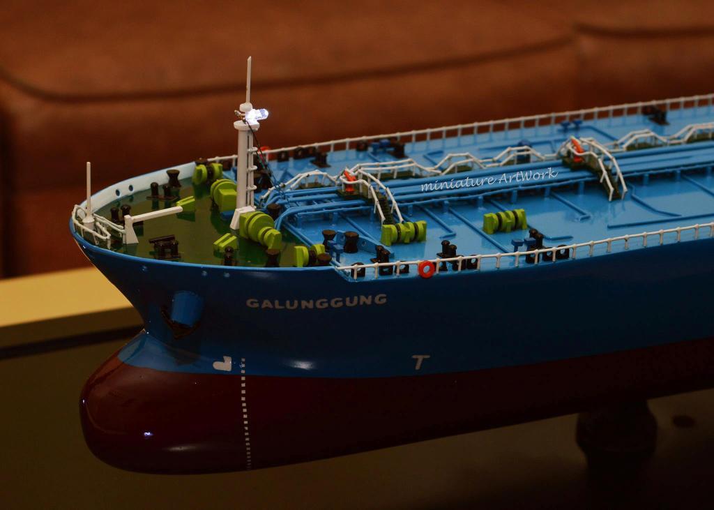 tempat jual miniatur kapal crude oil tanker galunggung milik pertamina jakarta surabaya semarang indonesia