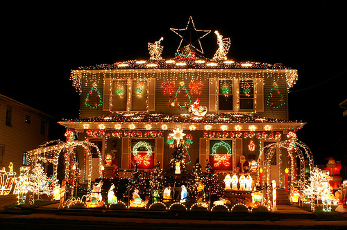 Around the world by diva queen this is how people - Christmas decorating exterior house ...