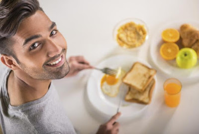 تفسير حلم شخص جوعان أو اطعام شخص جائع أو شخص يطلب طعام أو جوع الطفل في المنام