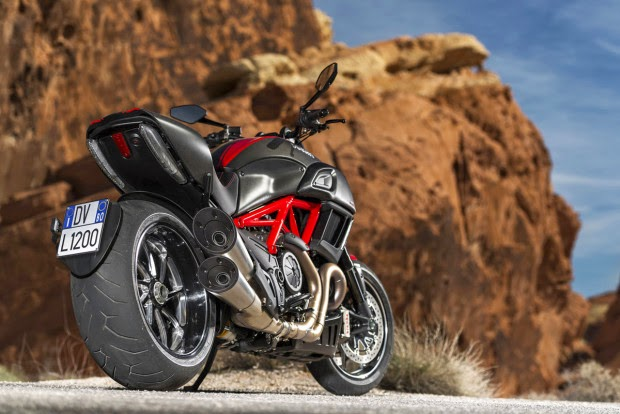 Ducati Diavel Carbon 2015 162 HP