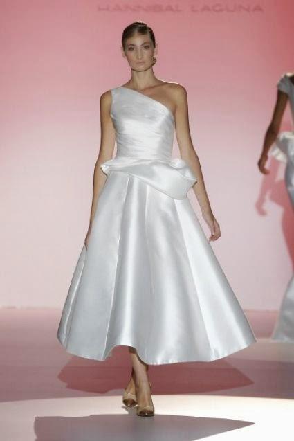 e2a47470f01c Seta mikado e anni  50 per l abito di Hannibal Laguna Collezione Bridal  Primavera-Estate 2015