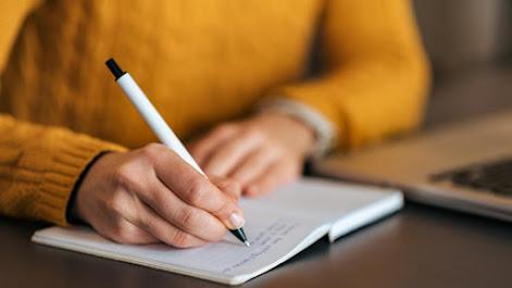 Melalui Webinar, BEM FISIP UNS Ajak Mahasiswa Untuk Menulis di Media Massa