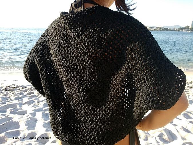 Con hilos, lanas y botones: Chaqueta kimono de ganchillo