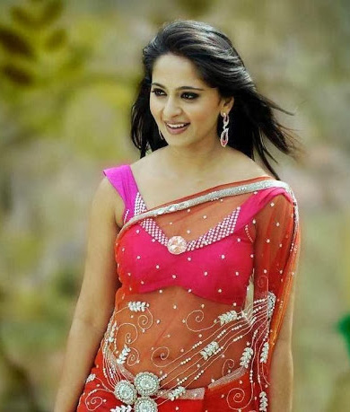 Anushka Shetty Sweet Photo