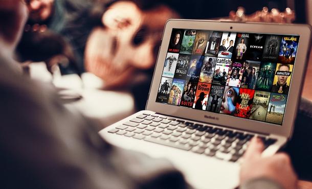 где смотреть сериалы онлайн на английском с субтитрами?