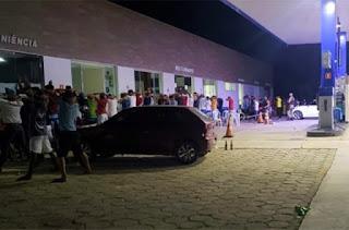 Polícia acaba com festa em posto de combustíveis na Chapada Diamantina
