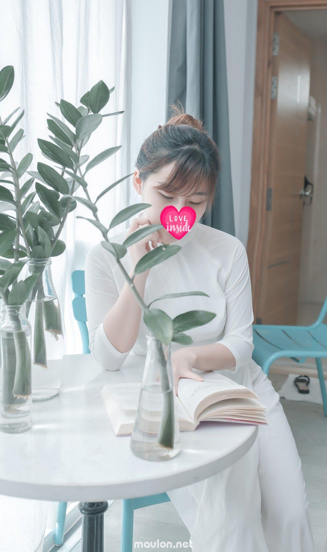 MauLon.Net - Ảnh sex Em sinh viên 2k khoe dáng đẹp