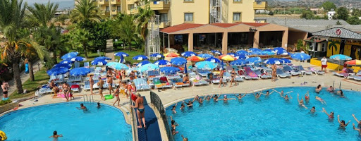 В 5-звездочном турецком отеле надругались над российской школьницей