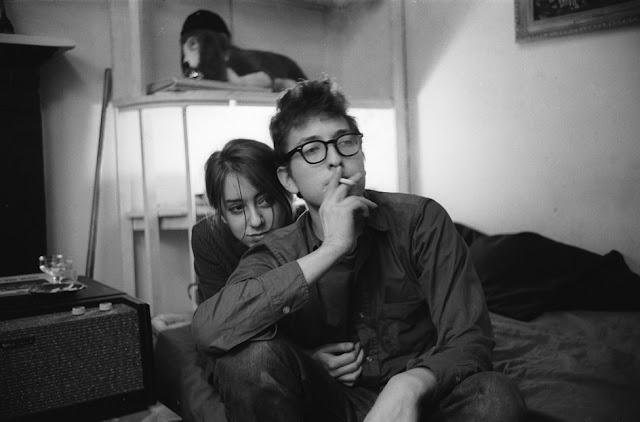 Bob Dylan y su novia y musa Suze Rotolo (1961)