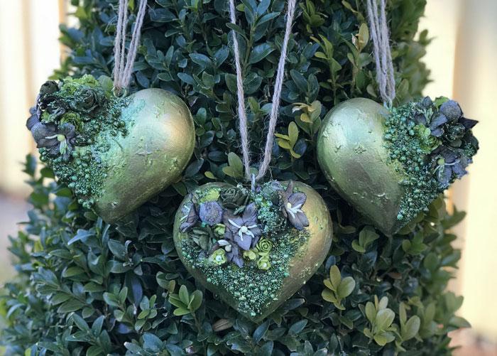 Lillblomman skapar christmas hearts for wild orchid crafts
