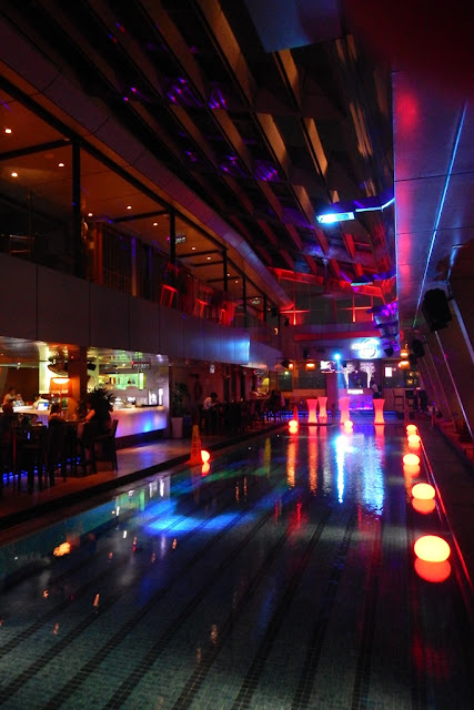Skybar swimming pool KL