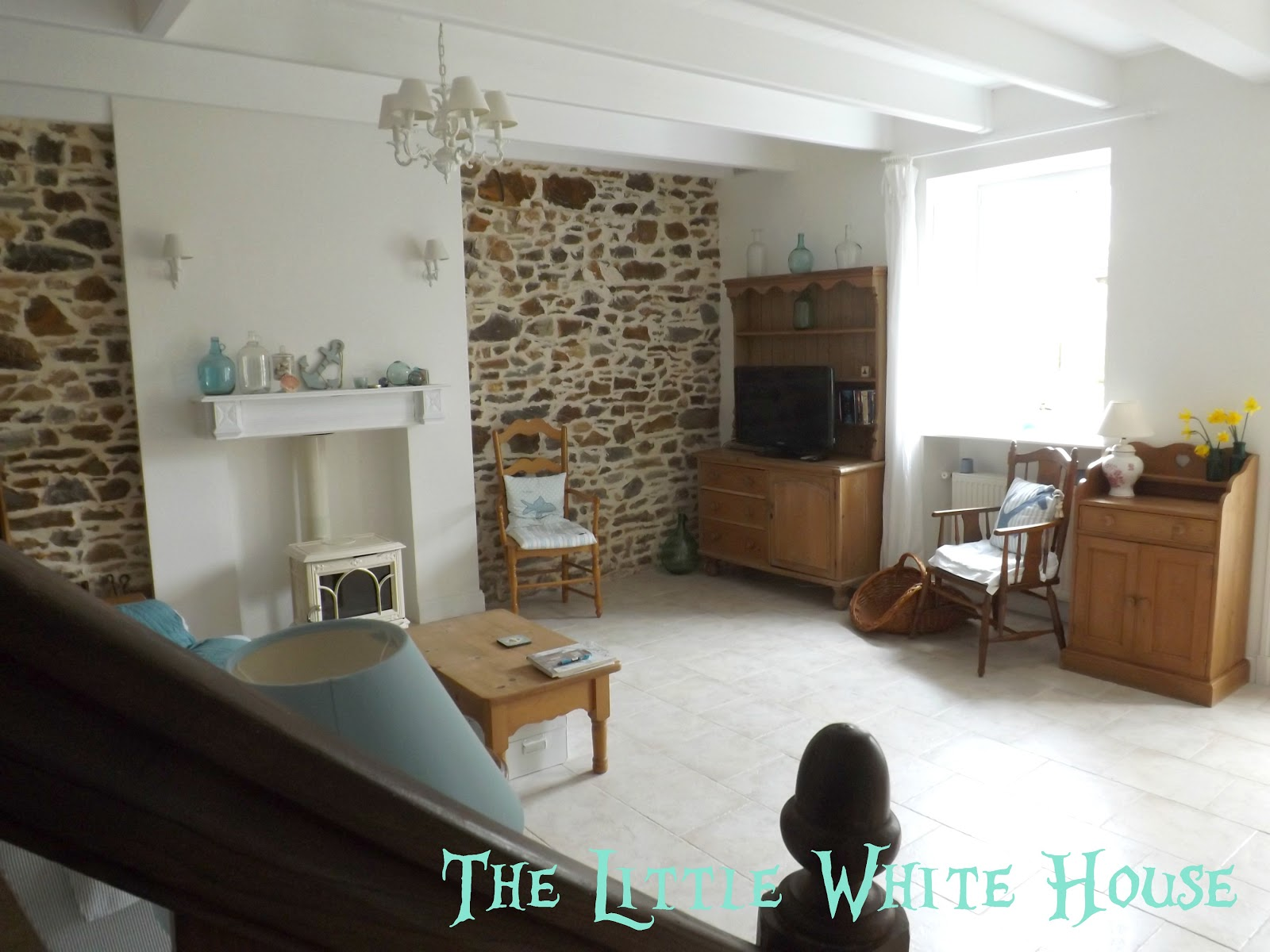 The Little White House On The Seaside Lost In Translation Part 1 # Meuble Cottage Blanc