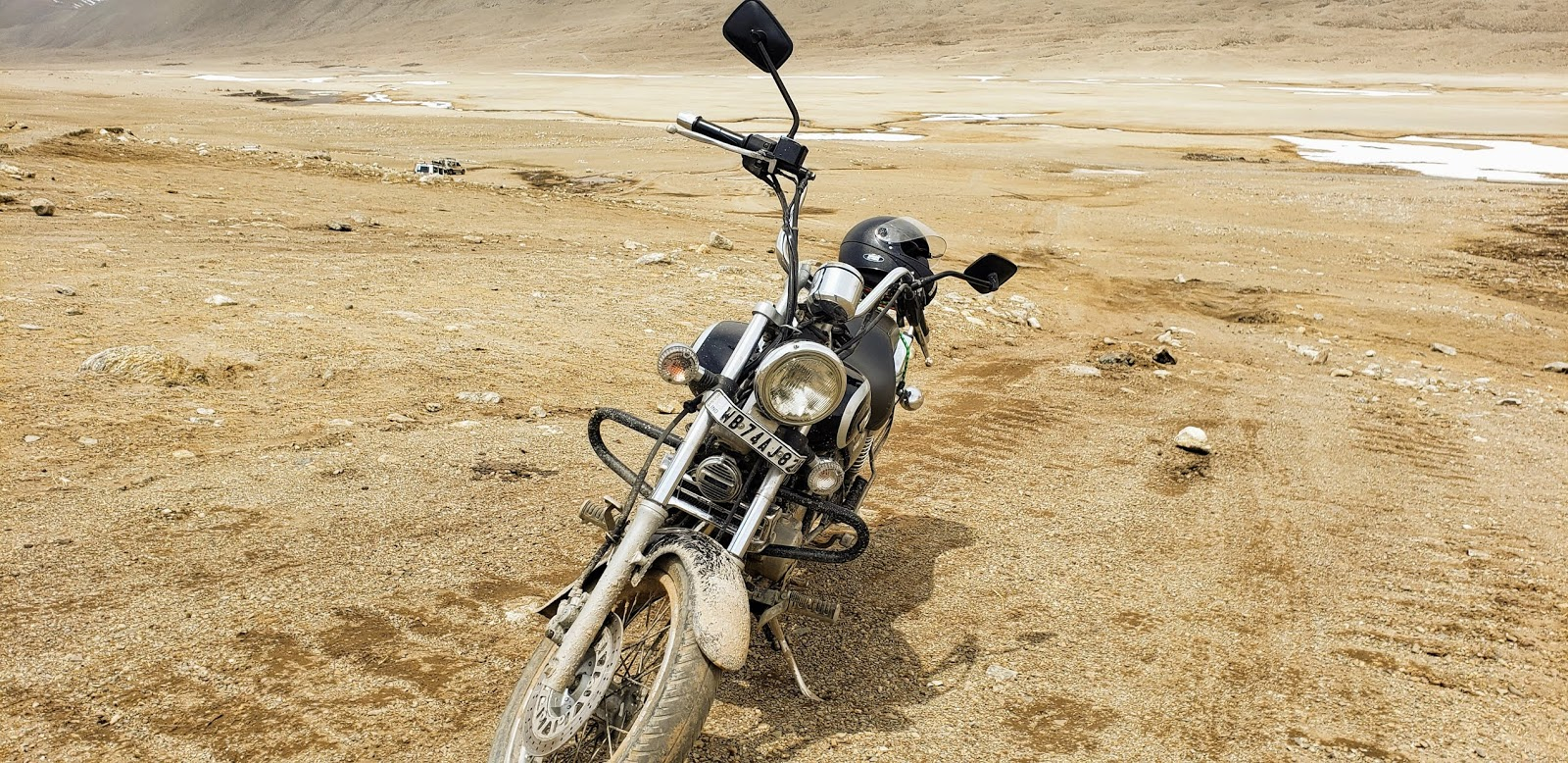 My bike stuck at 17000 feet, Gurudongmar