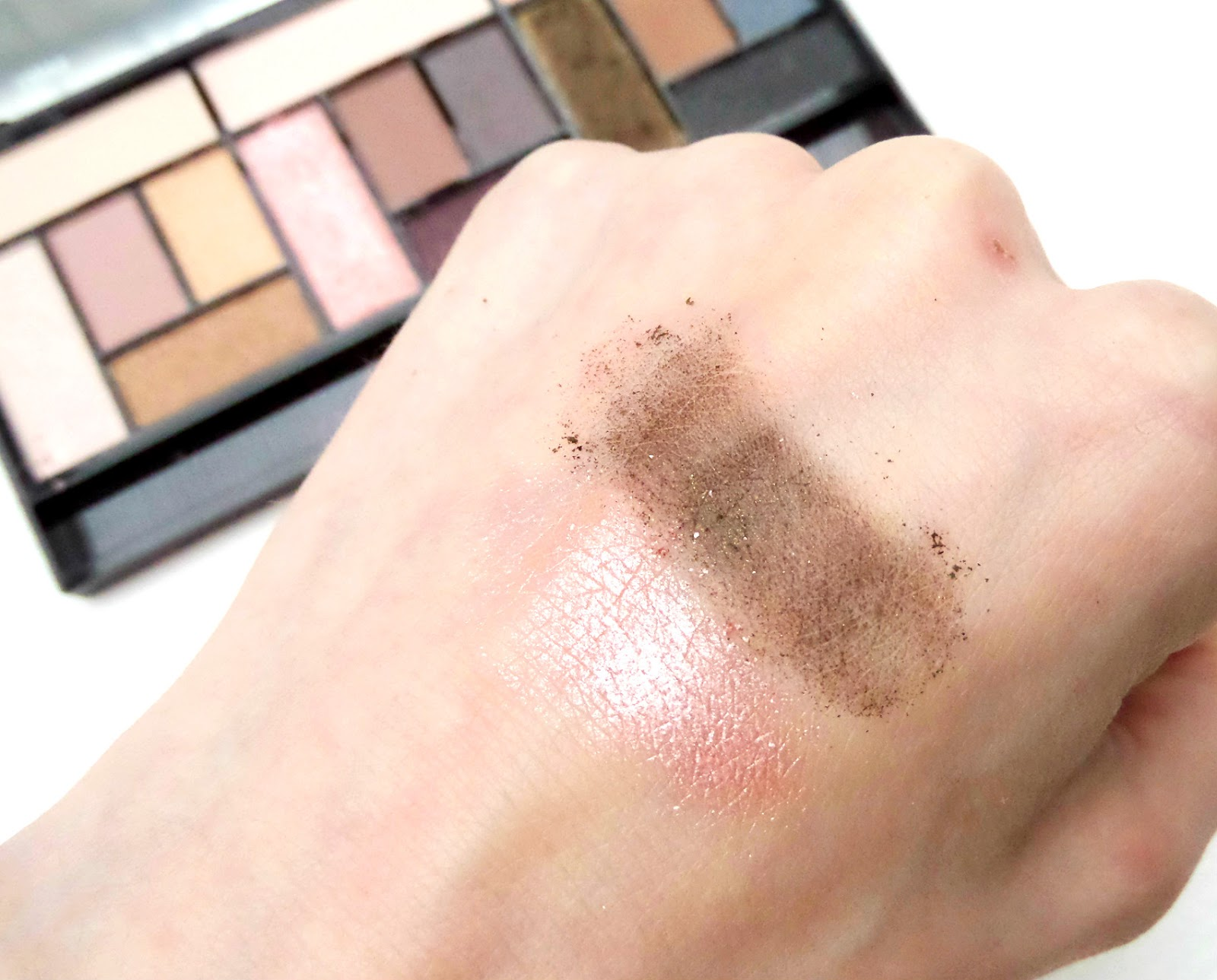 Makeup Revolution Pro Looks Stripped & Bare Palette Swatch