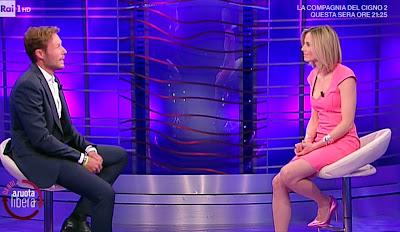 Francesca Fialdini vestito rosa da noi a ruota libera Massimiliano ossini 25 aprile