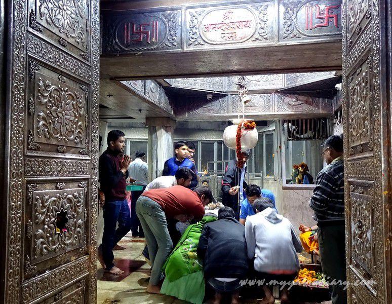 Entrance door of the Anandeshwar Mahadeo Mandir Kanpur, Uttar Pradesh