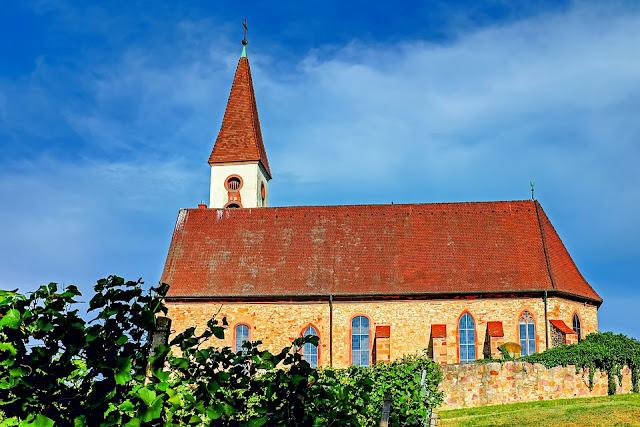 É possível uma igreja não se institucionalizar