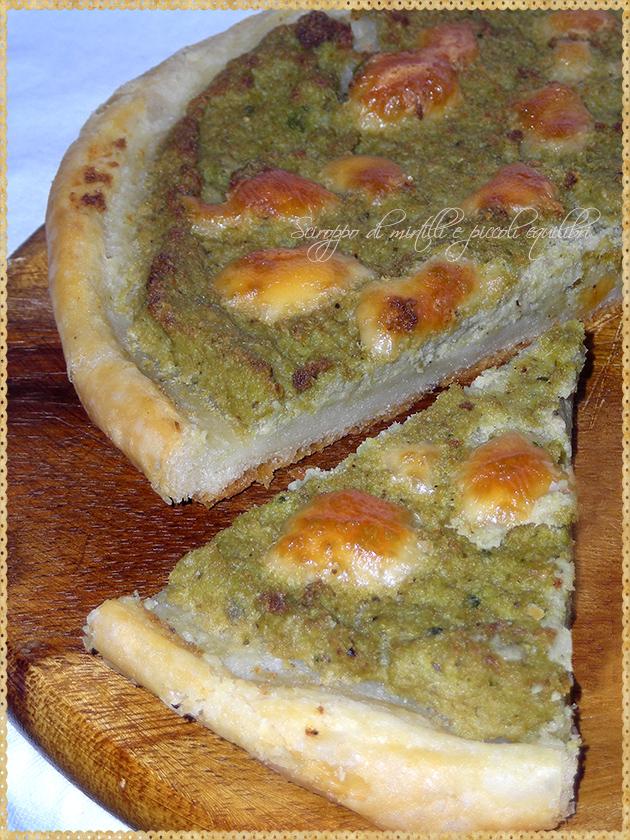 Torta rustica con broccolo romano, tonno e  scamorza