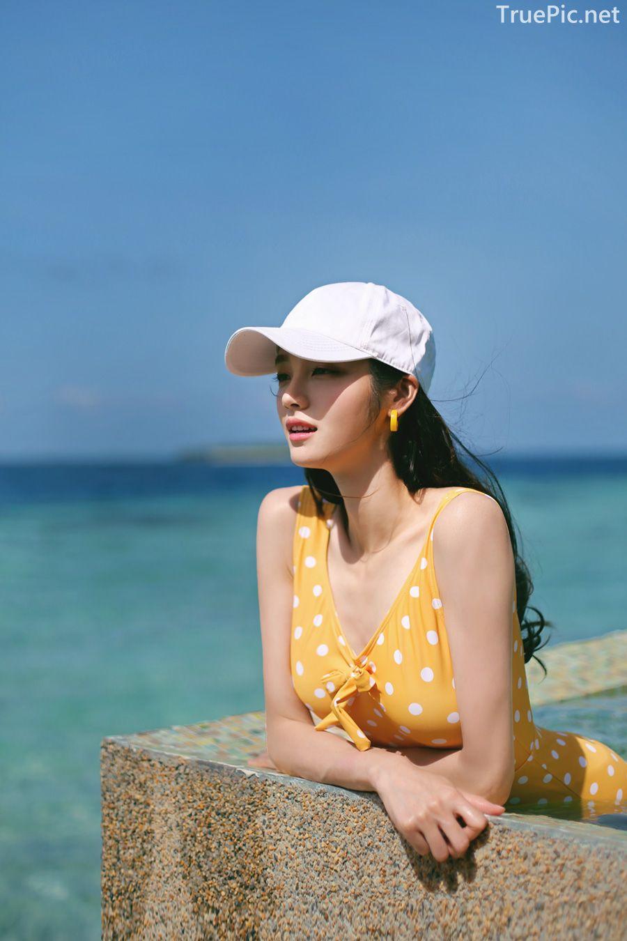 Korean fashion model Jeong Hee - Everyone once a monokini - Picture 5