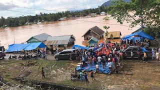 UPP Molawe Serahkan Bantuan Banjir di Konawe  dan Buka Posko Penggalangan Bantuan