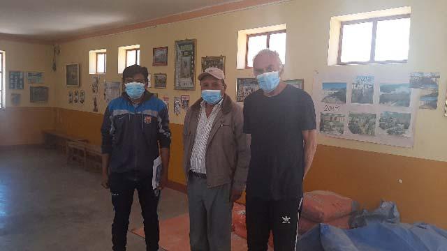 Foto: Hier sind die Minenarbeiter bei einem Besuch im Pfarrhaus von Esmoraca