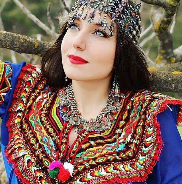 Algerian women beauty and attractiveness