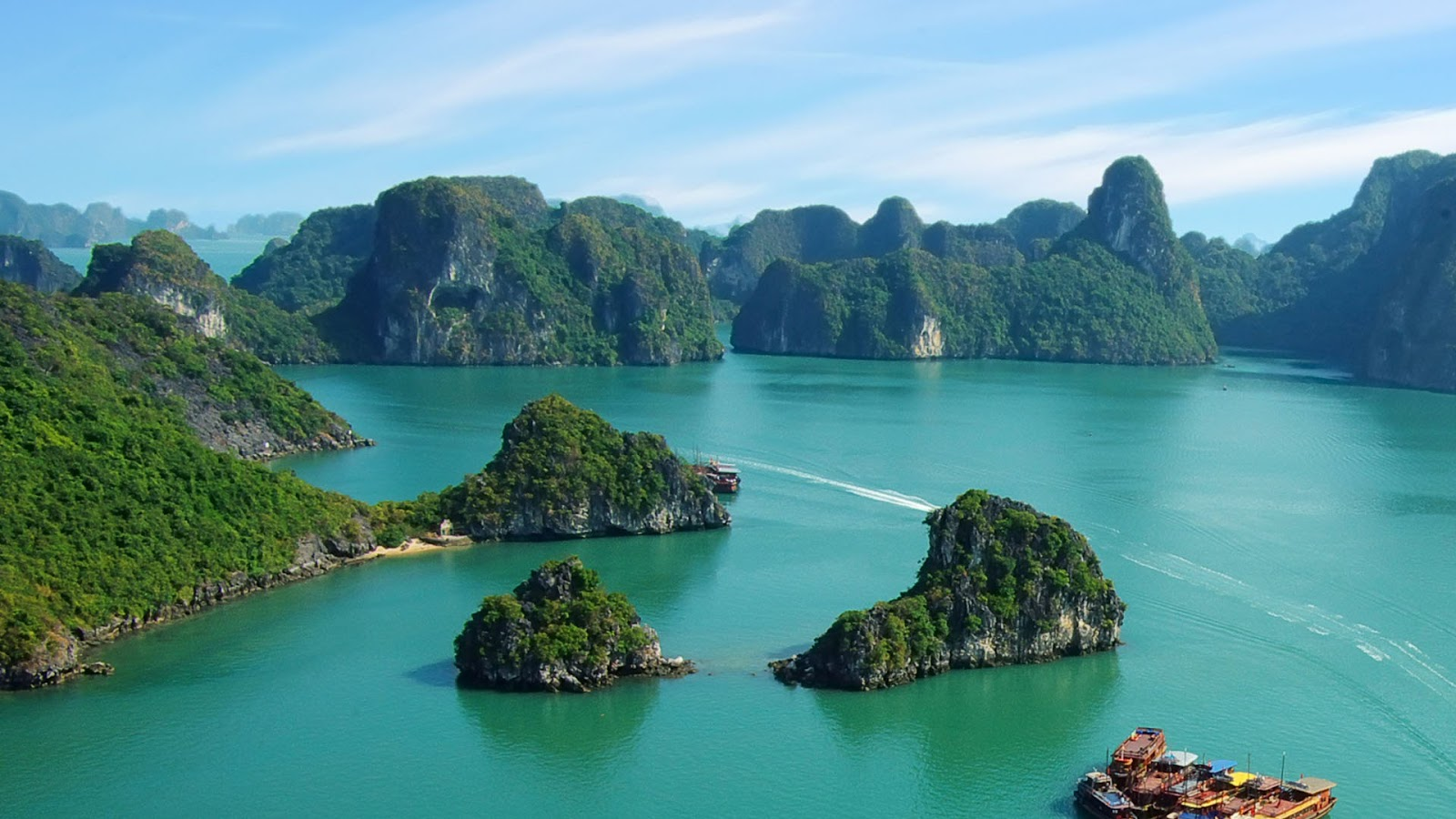 10 best places to visit in vietnam the vietnam tourism for Top ten best vacation spots