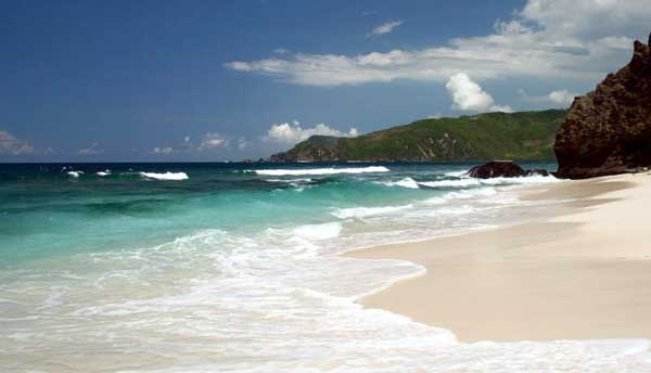 Pantai Selong Belanak