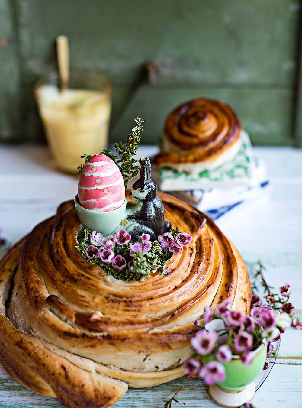 Rundes Lemon Curd Zupfbrot mit Zitronenthymian - Pull Apart bread
