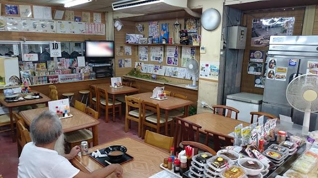 食堂側の店内