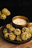 Bocaditos de brócoli con parmesano al horno