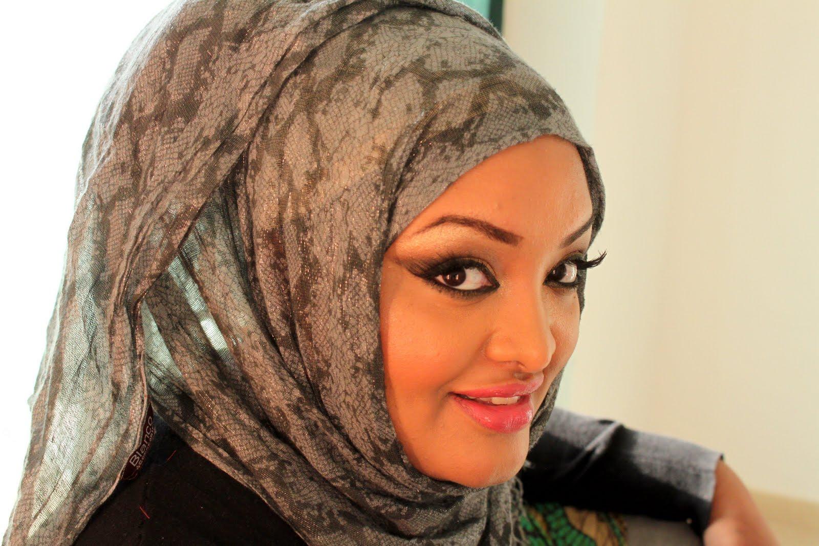 black pearl makeup: Golden Bridal Arabic Makeup Tutorial
