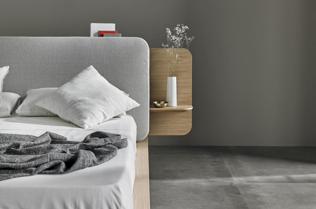 półki boczne przy łóżku