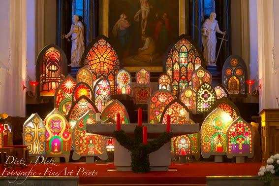 Iffelenausstellung am Sonntag vor dem Umzug in der Pfarrkirche Küssnacht
