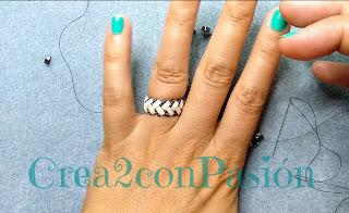 Anillo-zig-zag-half-tila-beads-color-caramelo-de-crea2-con-pasión