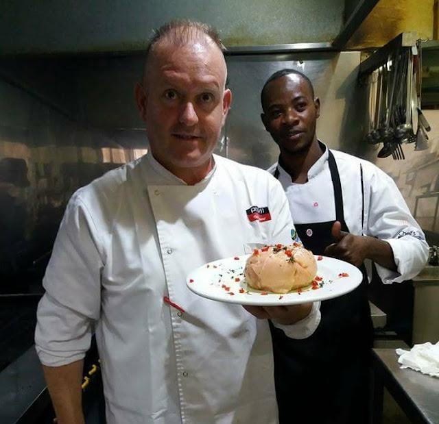 Μάγειρας στο Στρατό έφυγε λόγω κρίσης κι έγινε διάσημος σεφ στο Κογκό!