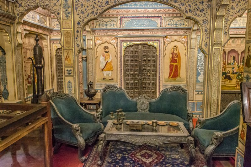 The drawing room of Patwas