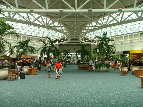 Interior do Aeroporto Internacional de Orlando