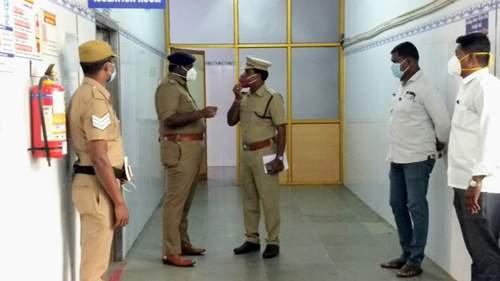 தர்மபுரி அரசு மருத்துவக் கல்லூரி மருத்துவமனையில் குழந்தை திருட்டு.... போலீசார் விசாரணை...! Child theft in Dharmapuri Government Medical College Hospital....Police investigation...!