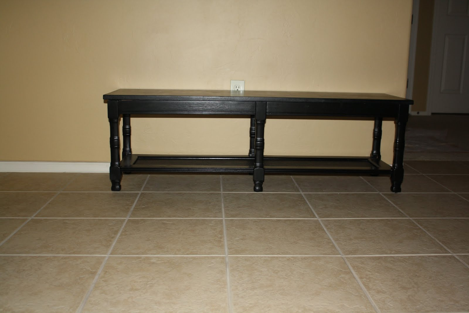 Paisley Walls: Furniture Redo: Coffee Table to Bench