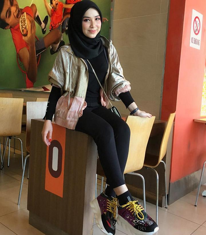 Gambar Model Cantik Shazlina Abdullah
