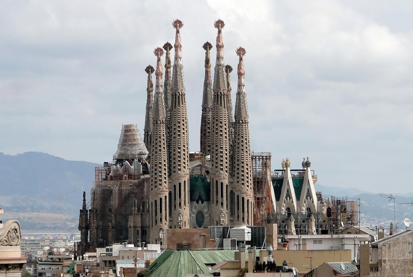 25 Top Tourist Attractions in Barcelona