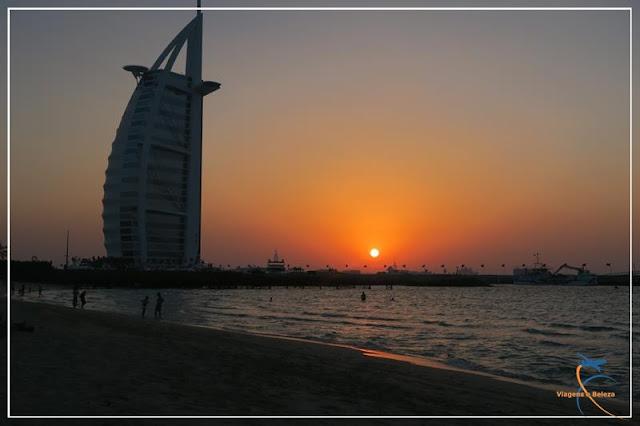 Jumeirah Beach e o Burj Al Arab