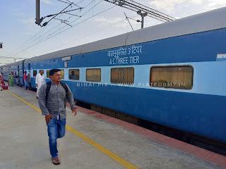 Kalaburagi to Bengaluru by the ubiquitous 'Solapur' Express